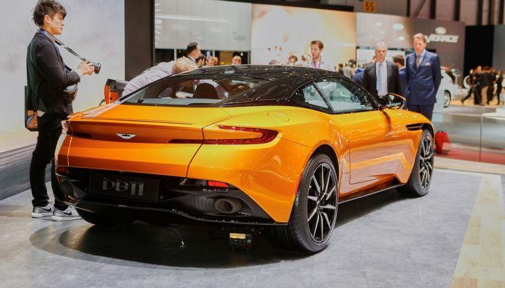 Aston Martin DB11 al Salone di Ginevra - Foto 15 di 30