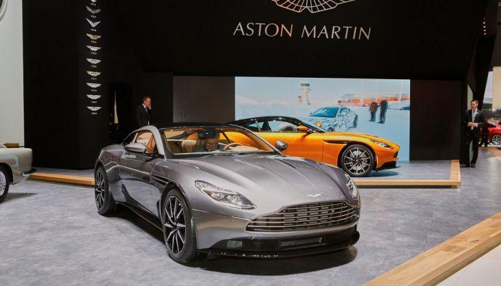Aston Martin DB11 al Salone di Ginevra - Foto 19 di 30
