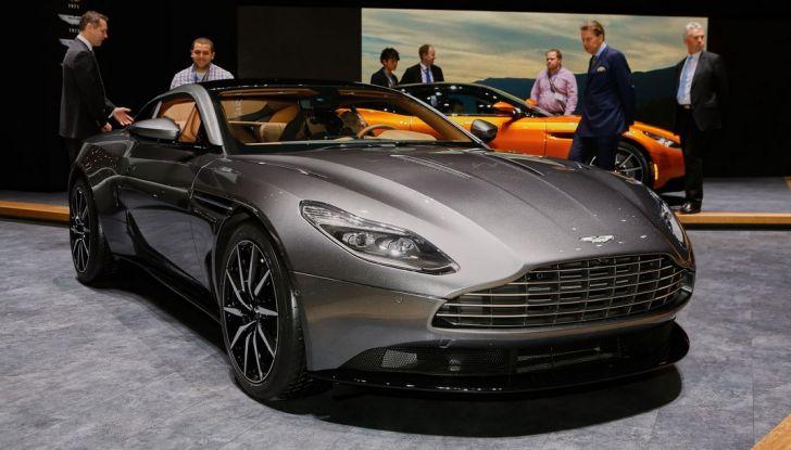 Aston Martin DB11 al Salone di Ginevra - Foto 24 di 30
