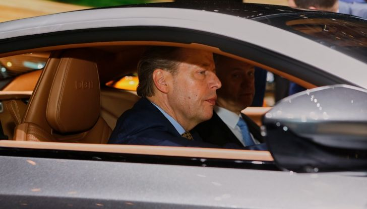 Aston Martin DB11 al Salone di Ginevra - Foto 26 di 30