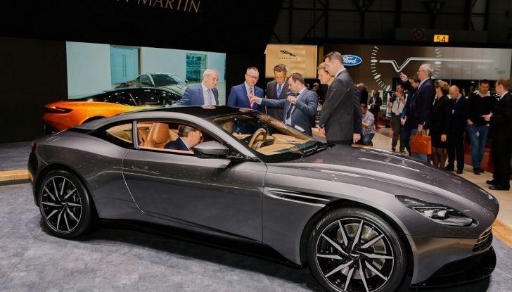 Aston Martin DB11 al Salone di Ginevra - Foto 27 di 30