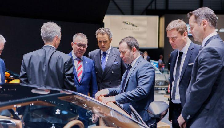 Aston Martin DB11 al Salone di Ginevra - Foto 28 di 30
