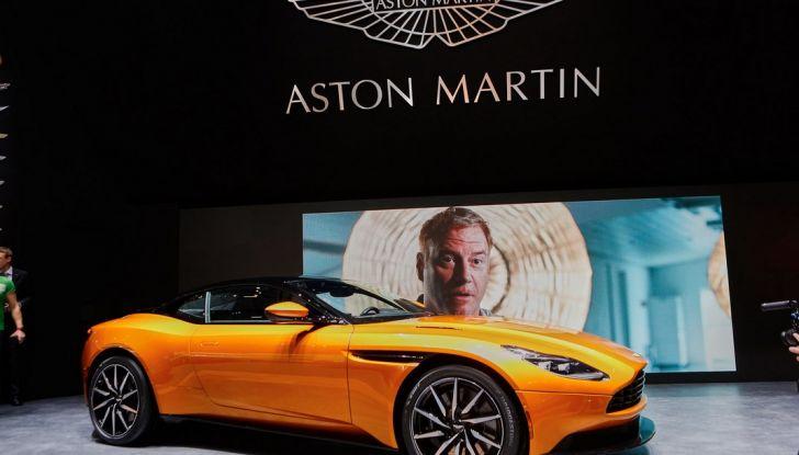 Aston Martin DB11 al Salone di Ginevra - Foto 9 di 30