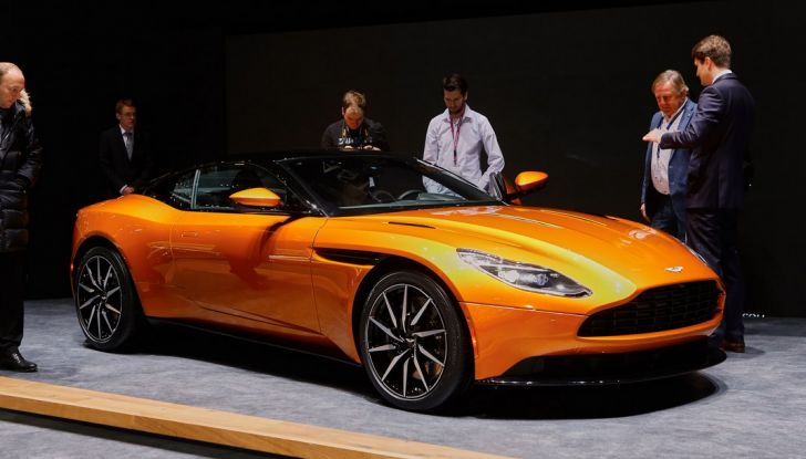 Aston Martin DB11 al Salone di Ginevra - Foto 4 di 30