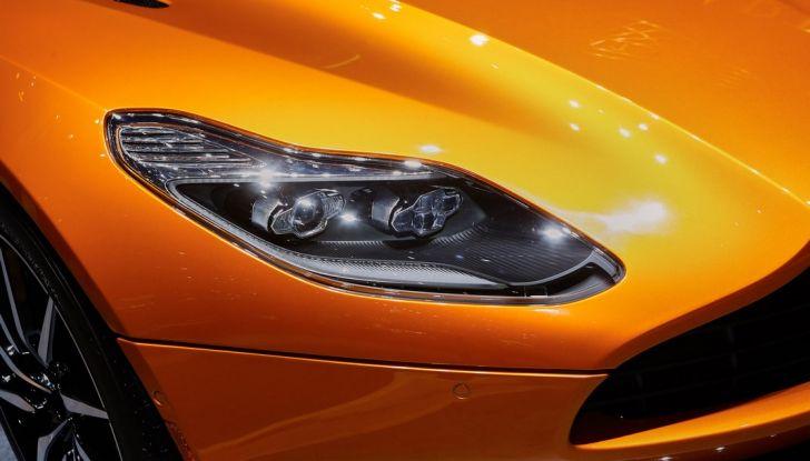 Aston Martin DB11 al Salone di Ginevra - Foto 3 di 30