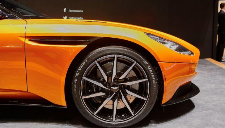 Aston Martin DB11 al Salone di Ginevra - Foto 5 di 30