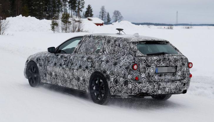 BMW Serie 5 Touring nuova generazione, le foto spia sulla neve (11)