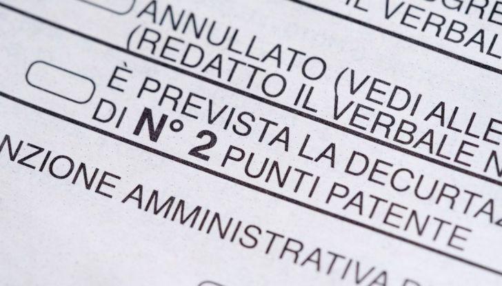 La patente di guida italiana è fuori norma per l'Unione Europea - Foto 7 di 11