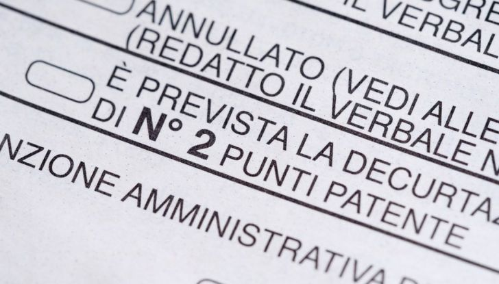Patente dimenticata a casa: multe e sanzioni previste - Foto 7 di 11
