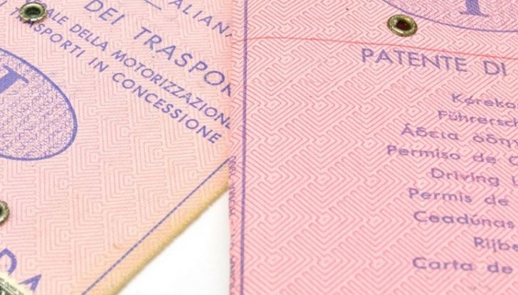 Patente dimenticata a casa: multe e sanzioni previste - Foto 5 di 11