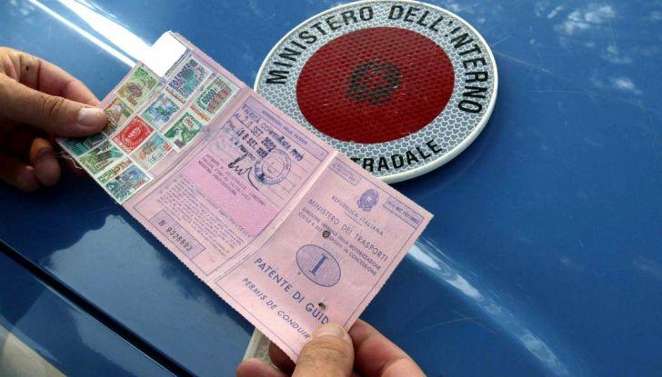La patente di guida italiana è fuori norma per l'Unione Europea - Foto 4 di 11