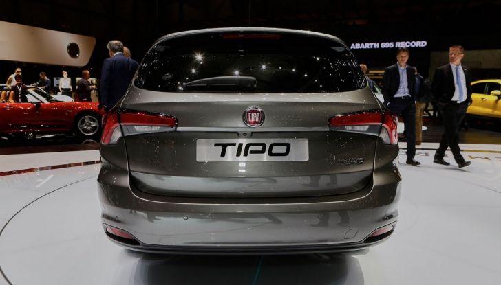 Fiat Tipo SW presentazione al Salone di Ginevra, posteriore.