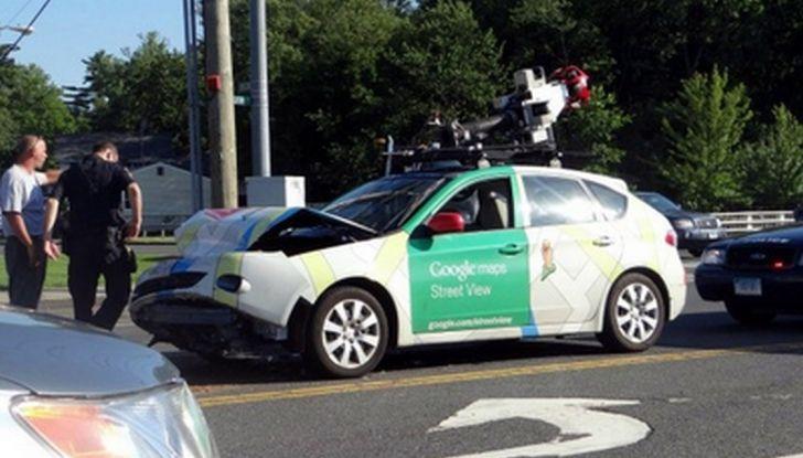 Google Car si scontra con un bus: ecco il video dell'incidente - Foto 3 di 8