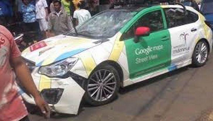 Google Car si scontra con un bus: ecco il video dell'incidente - Foto 7 di 8