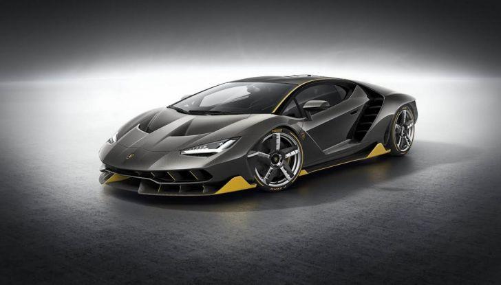 La prima Lamborghini ibrida ha un motore V12 - Foto 1 di 11
