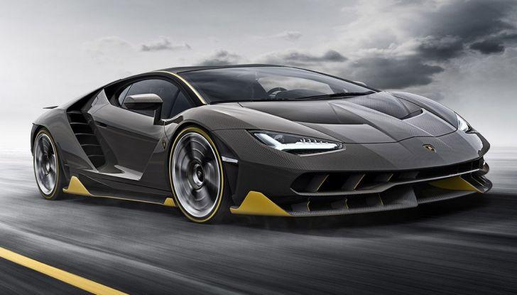 La prima Lamborghini ibrida ha un motore V12 - Foto 10 di 11