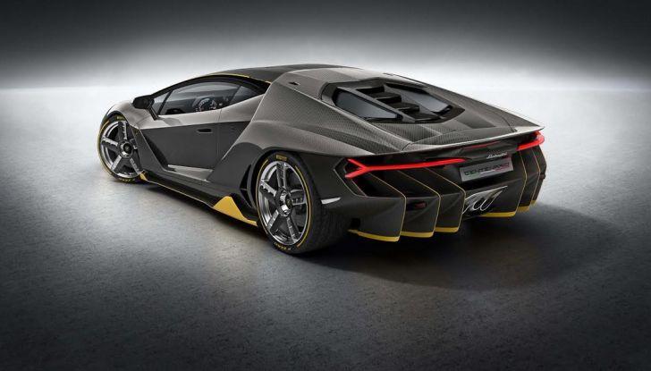 La prima Lamborghini ibrida ha un motore V12 - Foto 3 di 11