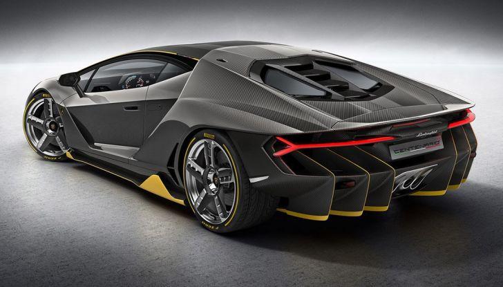 La prima Lamborghini ibrida ha un motore V12 - Foto 6 di 11