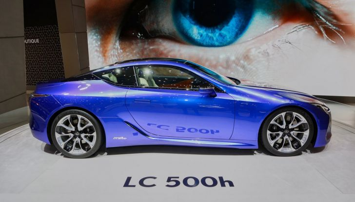 Lexux LC500H live ginevra 2016