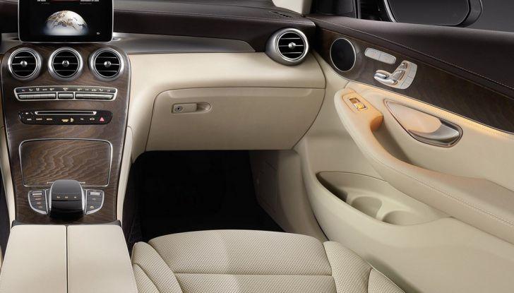 Mercedes GLC coupè debutta al salone di New York - Foto 17 di 22