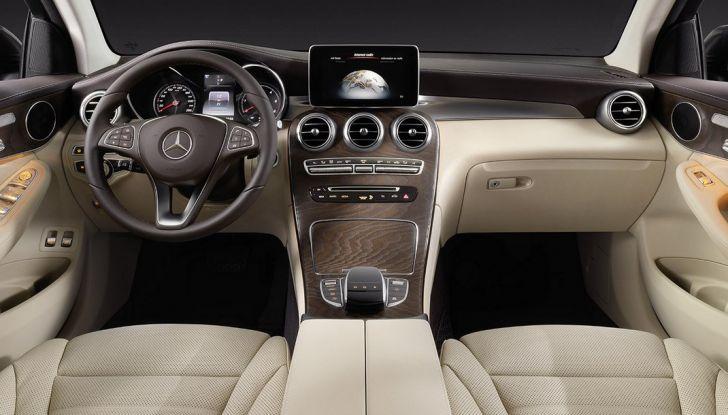 Mercedes GLC coupè debutta al salone di New York - Foto 3 di 22