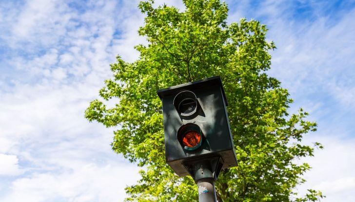Multa semaforo rosso: quanto costa e come fare ricorso - Foto 7 di 9