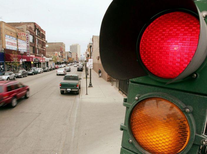 Multa semaforo rosso: quanto costa e come fare ricorso - Foto 8 di 9
