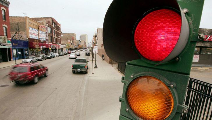 Multa non valida se il semaforo è rotto e non funziona - Foto 8 di 9