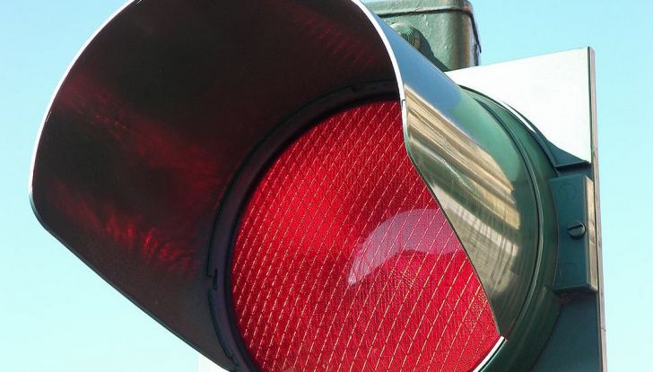 Multa non valida se il semaforo è rotto e non funziona - Foto 9 di 9