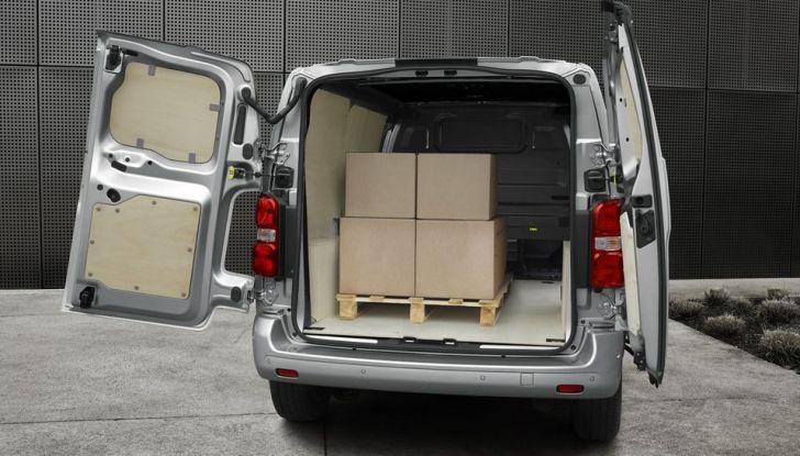 Nuovo Peugeot Expert, il marchio del Leone torna nel mercato dei veicoli commerciali - Foto 2 di 20