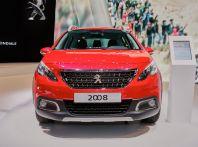 Nuova Peugeot 2008, le prime immagini del SUV compatto