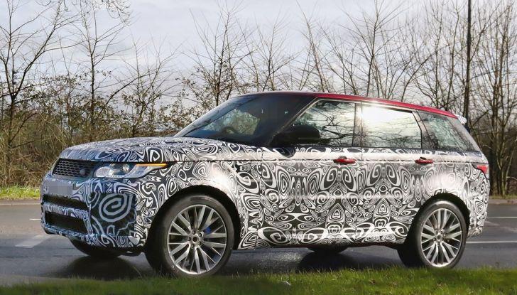 Range Rover Sport SVR, foto spia del facelift - Foto 2 di 10