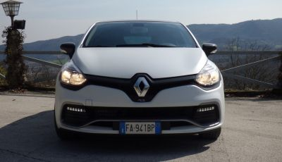Renault Clio R.S. 220 EDC Trophy: prova su strada e prestazioni