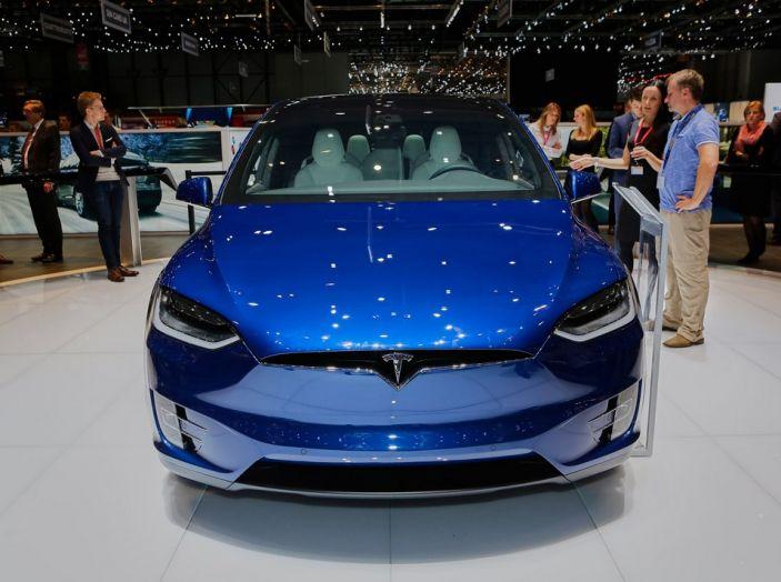 Tesla Model X live ginevra 2016