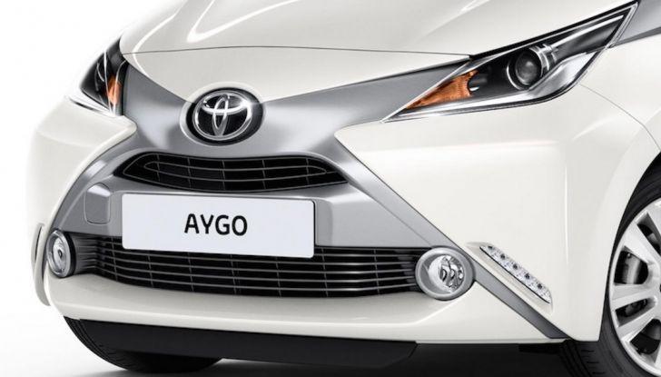 Toyota Aygo x-pure: la citycar per le donne - Foto 5 di 9
