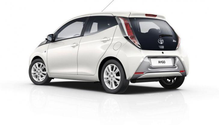 Toyota Aygo x-pure: la citycar per le donne - Foto 2 di 9