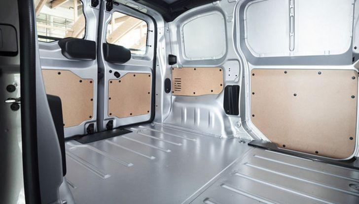 Toyota Proace City: il nuovo minivan debutta sul mercato - Foto 12 di 14