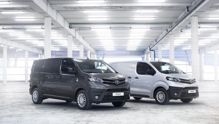 Toyota Proace City: il nuovo minivan debutta sul mercato - Foto 1 di 14