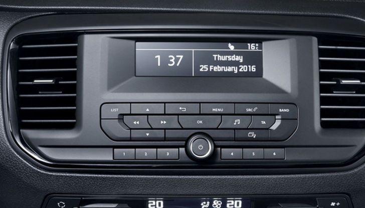 Toyota Proace City: il nuovo minivan debutta sul mercato - Foto 5 di 14
