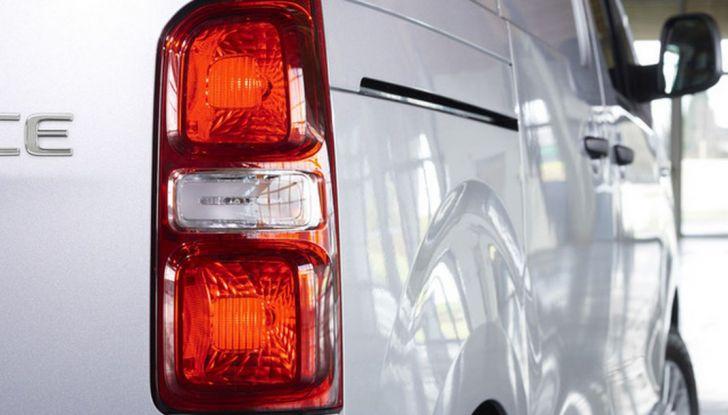 Toyota Proace City: il nuovo minivan debutta sul mercato - Foto 7 di 14