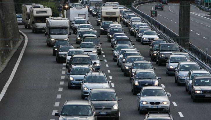 Di Maio, autostrade: tariffa unica senza casello e via i Benetton - Foto 2 di 19