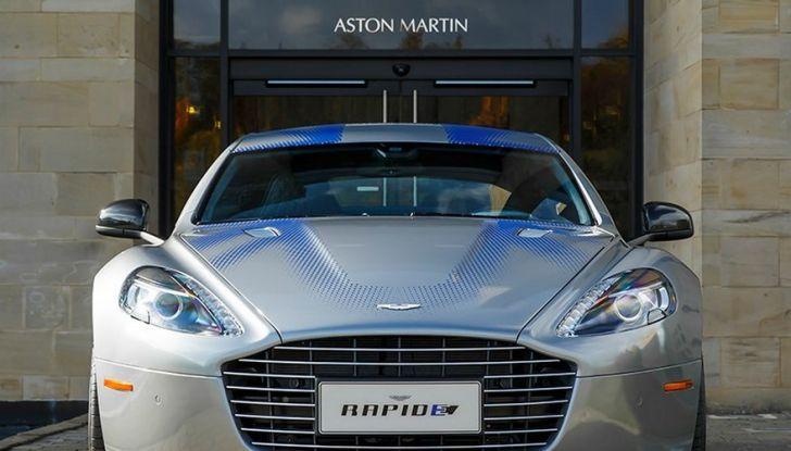James Bond nel prossimo film di 007 guiderà una Aston Martin 100% elettrica - Foto 4 di 6