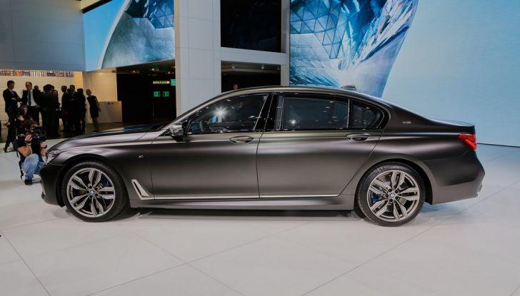 Nuova BMW M760Li xDrive - Foto 17 di 34