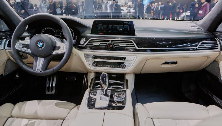 Nuova BMW M760Li xDrive - Foto 30 di 34