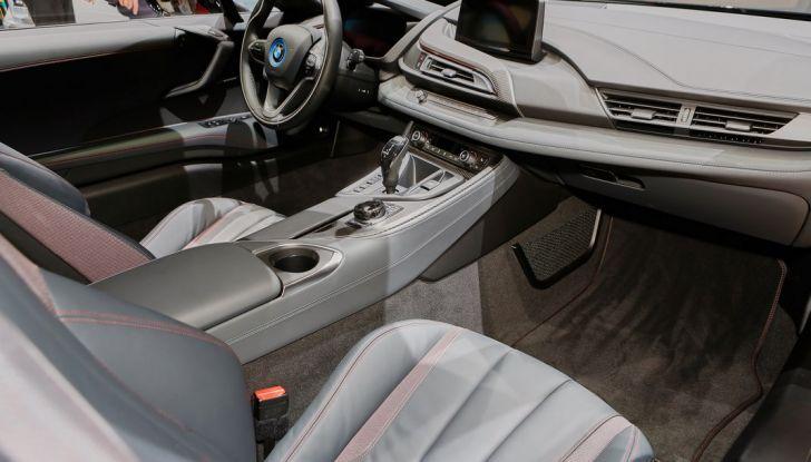 Nuova BMW M760Li xDrive - Foto 32 di 34