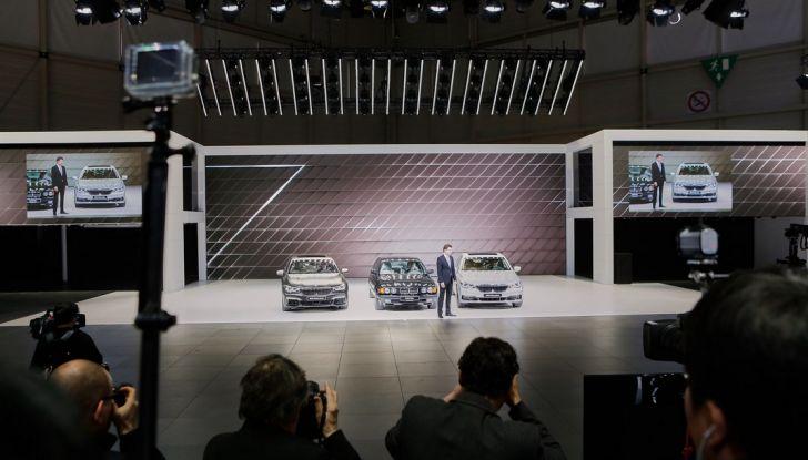 Nuova BMW M760Li xDrive - Foto 13 di 34