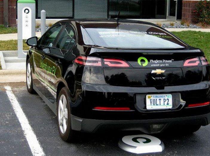 Tesla compra tutte le batterie per le sue auto elettriche e i rivali restano a secco! - Foto 11 di 12