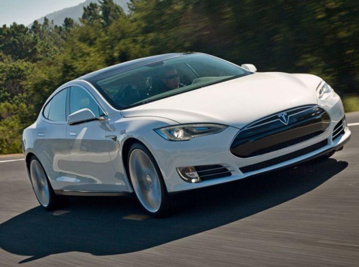 Tesla Model S e X con pieno elettrico gratis per sempre con Infomotori - Foto 9 di 12