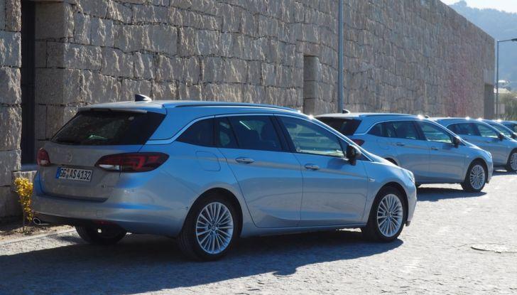 Nuova Opel Astra Sports Tourer prova su strada, informazioni e prezzi - Foto 10 di 40