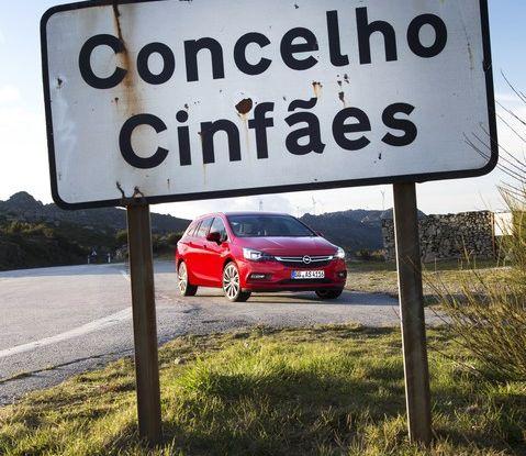 Nuova Opel Astra Sports Tourer prova su strada, informazioni e prezzi - Foto 20 di 40